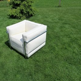 LC 2 Sessel und Sofa von Cassina neu beziehen in Leder und Stoff