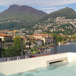 jacuzzi, vista lago, lake, See, reservation, terrace, view, best view, pernottamento, hotel walter, terrazza, terrazza, panorama