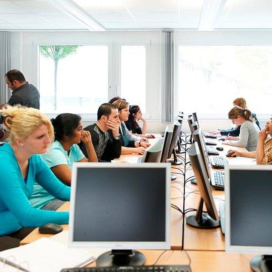 Deutsch lernen mit PC-Unterstützung bei ECAP Zürich