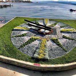 Blumenuhr am Bürkliplatz gestaltet von uns seit 2008