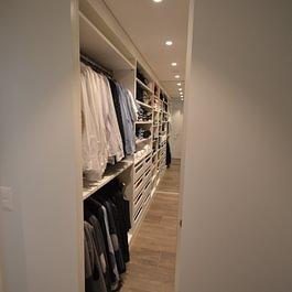 begehbare Ankleide mit individueller Einteilung