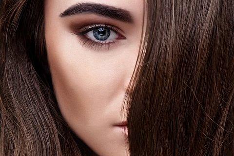 Forfait Coloration à la Kératine Coiffage Cheveux longs( au dessous des épaules)