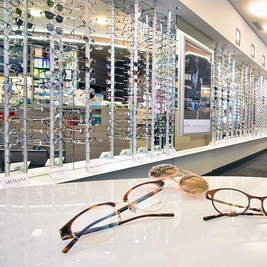 Plus de 3000 lunettes en exposition