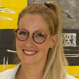 Nadine Bertschinger, M Dent Med, eidg. dipl. Zahnärztin