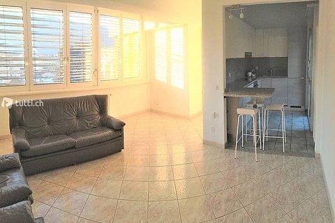 CHIASSO - vendesi appartamento di 4.5 locali con posto auto