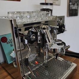 Der Stolz (und Wachmacher) der Agentur: unsere Espresso-Maschine