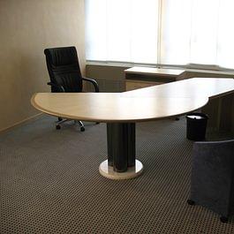 scrivania ufficio in lengo di Acero marezzato