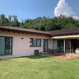 Lugaggia Moderna e particolare casa di 5 ½ locali, circa 130 mq abitabili, luminosissima e ottima manutenzione CHF 1'250'000.-