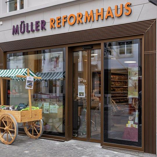 Der Eingang in das Müller Reformhaus und Praxis Massage4u