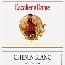 Le Chenin blanc arôme fruités, avec des senteurs d'abricot, de poire coing et fruits exotiques.