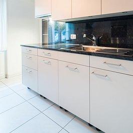 Sanierung 24 Küchen in Basel