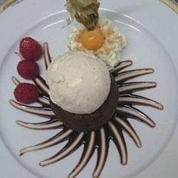 Coulant au chocolat et sa boule de glace vanille