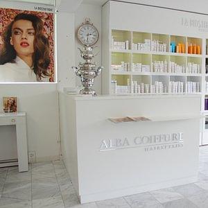 Alba Coiffure, espace boutique - de soins cheveux et cuir chevelu de la marque haut de gamme La Biosthétique