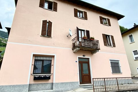 VACALLO - vendesi casa di tre appartamenti per investimento a reddito