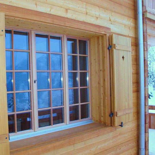 Fensterläden und Zargen gehören ebenfalls zu unserem Sortiment.