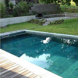 Schalstein-Schwimmbad, Einfamilienhaus in Breitenbach