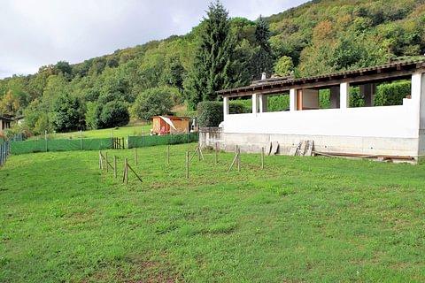 Pura Bel terreno con licenza per 3 case in vendita