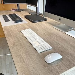 Schreibtisch mit Holzdekor HPL Battle Rock