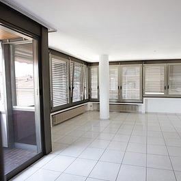 CASSARATE Appartamento signorile Lugano Cassarate vicino a tutti i servizi FR. 780'000.--  – Lugano – Tel.: 091 921 42 58 – www.mgimmobiliare.ch