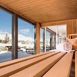 Sauna im Bellavita Spa mit winterlicher Aussicht