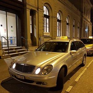 Rhy Taxi