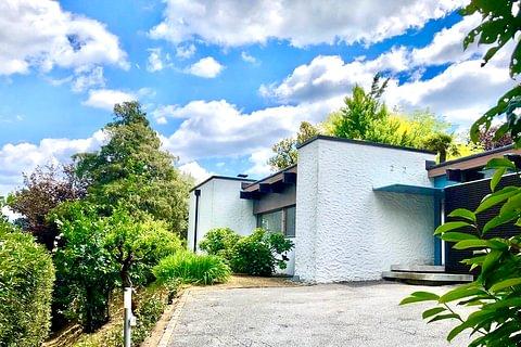 NOVAZZANO: vendesi elegante casa indipendente su un piano