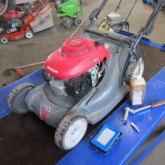 Service und Reparaturen von allen Motorgeräten