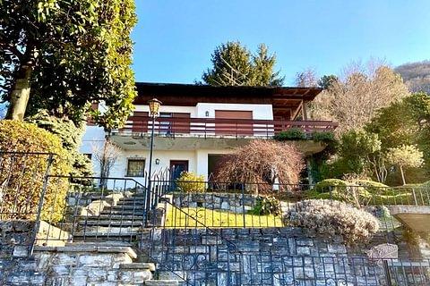 MORBIO SUPERIORE - vendesi villa panoramica