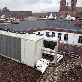Spengler und Flachdacharbeiten Inkl Blitzschutz Anlage Mote One Basel.