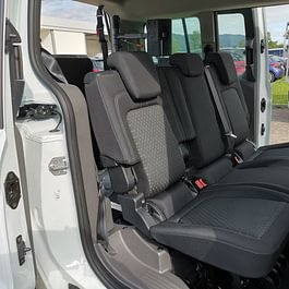 Ford Grand Tourneo 5 places + 1 fauteuil