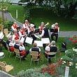 Traditionelle Veranstaltung im Garten