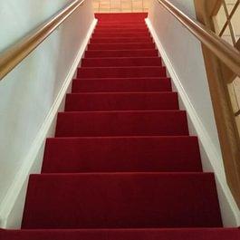 Treppe mit Teppich