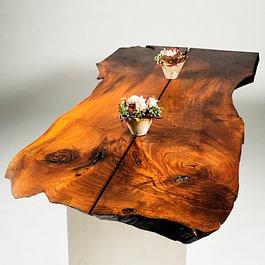 Tisch wilder Nussbaum massiv, natur geölt; CNS-Fuss