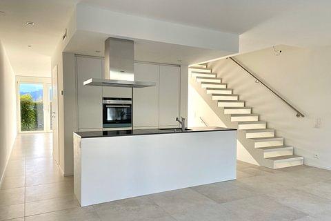 MORBIO INF - affittasi nuova e moderna casa con giardino