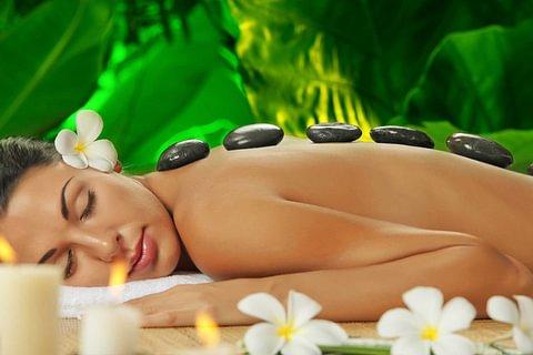Hot & cold stone Massage