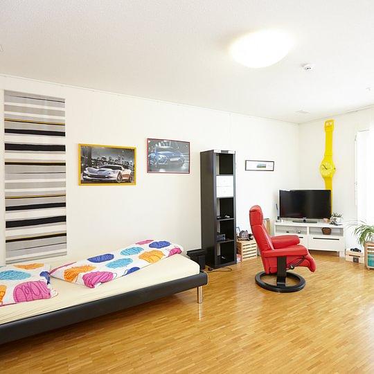Es sind Einzel- wie auch Doppelzimmer verfügbar.