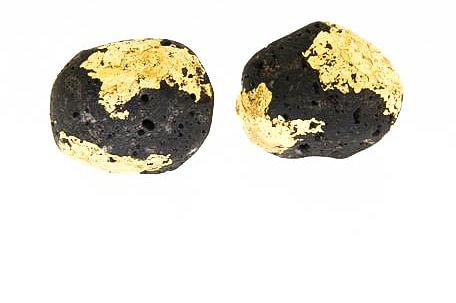 Lava Ohrstecker in Silber mit Blattgold