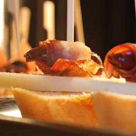 Unsere spanischen Köstlichkeiten passen perfekt zu einem Catering Event.