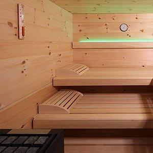 Sauna Thermium Infrarot. Saunabau individuell massgeschneidert vom Schreiner.