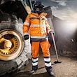 Warnschutz- und Flammschutz-Bekleidung für Ihre Sicherheit.