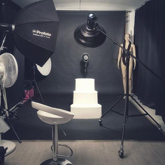 Le Studio (Equipé PROFOTO et PHASEONE)