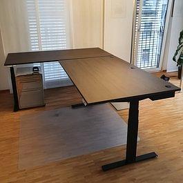 Schreibtisch.ch Eckschreibtisch Classic Schwarz HPL Holzdekor Räuchereiche Kabelwanne Premium
