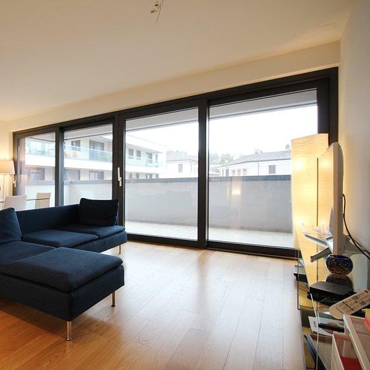 MASSAGNO Moderno 2,5 loc, con terrazzo, comodo ai servizi e non distante dal centro città di 72 mq FR. 590'000.--  – Lugano – Tel.: 091 921 42 58 – www.mgimmobiliare.ch