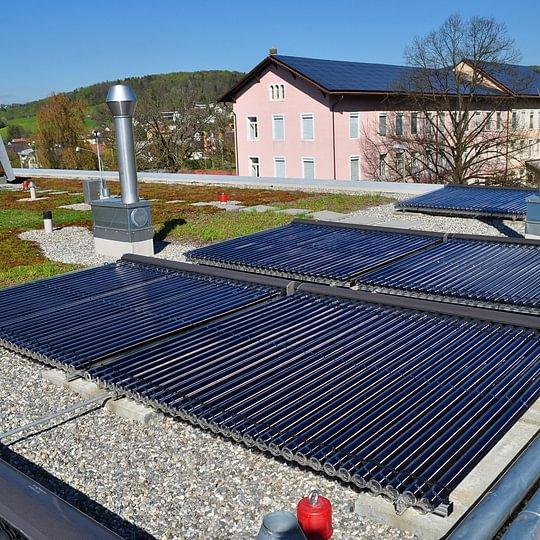 Neubau Solaranlage, Mehrfamilienhaus in Büsserach