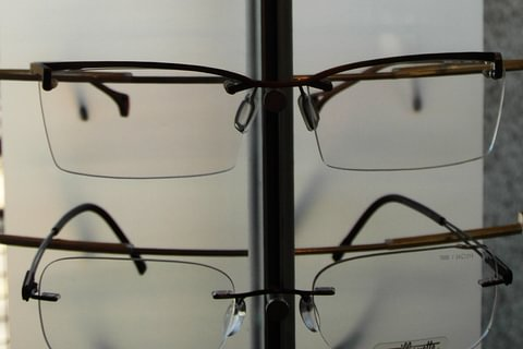 We carry a large assortment of ultra-light eyewear models.