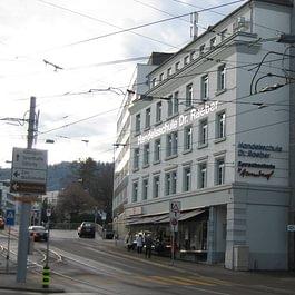 Dr. Raebers Höhere Handelsschule