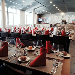 Restaurant Le Vélodrome - Aigle - service à table