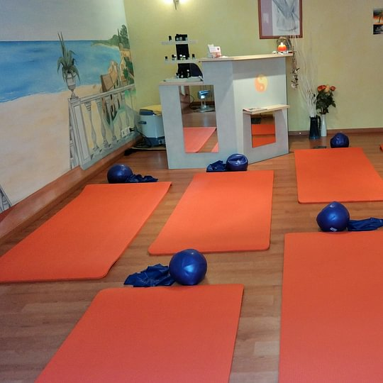 Pilates Care in kleinen Gruppen, für gezielteres Training.