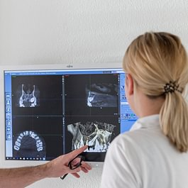 Digitales Röntgen auch mittels 3 D Technik DVT