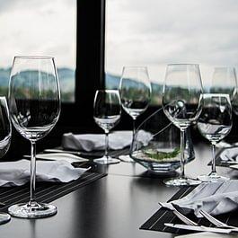Restaurant Falkenburg, St. Gallen - Tisch im Wintergarten am Fenster